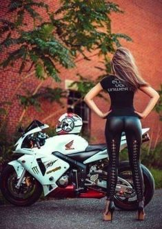 endloveinlife - 0 results for cars Lady Biker, Biker Girl, Motard Sexy, Chicks On Bikes, Dirt Bike Girl, Motorbike Girl, N Girls, Biker Chick, Sport Bikes