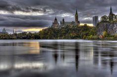Sunrise - Parliament Buildings, Ottawa, ON | da Derek Mellon