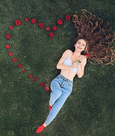 2 or Choose your favorite 🌹🍁 By - . - 2 or Choose your favorite 🌹🍁 By - . Pamela tange p_tange Fotoideen 2 or Choose your favorite 🌹 Girl Photography Poses, Tumblr Photography, Creative Photography, Fashion Photography, Railroad Photography, Photography Music, Beauty Photography, Picture Poses, Photo Poses