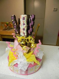 Babyshower Chocolate Pretzel Centerpiece