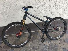 Buy Rocky Mountain Flow Dirt Jumper Mountain Bike Frame - Read Item Desc at online store Moutain Bike, Mountain Biking, Dirt Jumper, Push Bikes, Reptile Accessories, Street Bikes, Car Girls, Bike Life, Rocky Mountains
