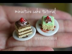 how to: miniature cake Dollhouse Miniature Tutorials, Miniature Crafts, Miniature Food, Fimo Polymer Clay, Polymer Clay Miniatures, Mini Patisserie, Minis, Ice Cream Candy, Tiny Food