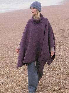 Ponchos are always going in and out of fashion. Wouldn& it be nice to have a poncho that looks good no matter what the season? This Turtleneck Knit Poncho is one such poncho. Free Knit Poncho Pattern, Poncho Knitting Patterns, Crochet Poncho, Knitted Shawls, Knit Patterns, Free Knitting, Free Pattern, Crochet Vests, Crochet Shirt