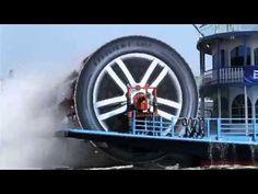 Goodyear EfficentGrip Performance Summer Tire: Hamburg Paddlesteamer   Ads of the World™