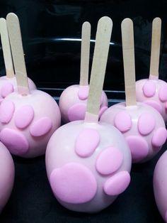 Patinha pantera cor de rosa!
