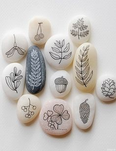 Stone art is one of a wide variety exciting of art. today in the post I will share How to create stone art painting, of course for the first time we needed is Pebble Painting, Pebble Art, Stone Painting, Diy Painting, Painting On Leaves, Stone Crafts, Rock Crafts, Arts And Crafts, Art Pierre