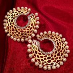 Beautiful and elegant earings...coolio.com