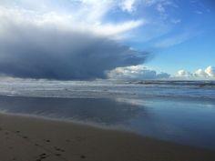 Strand zandvoort aan zee  Wolken zon wind hagel