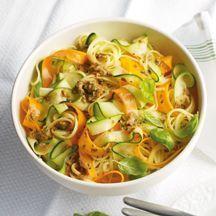 Gemüselinguine mit Tomaten-Kräuter-Pesto