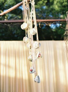 Victorian-style wedding decor