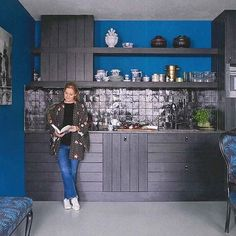 Black and blue kitchen from @mariskameijersamsterdam with #mosaicdelsur Zellige featured in the January issue of @livingetcuk Captured by…
