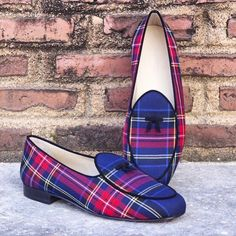 Gorgeous Plaid Belgian Loafers designed by a made-to-order customer in Florida..! Endless materials/colors/shoe styles combinations using our designing tool for private labels - #Shoeproduction #privatelabel #dapper #bespoke #custom #handmadeshoes #loafers #moccasins #MTO #luxury #derby #doublemonk #brogue #chuka  #customization #chukaboot #chelseaboot #singlemonk #golfshoes #menswear #mensfashionreview #mensfashion #streetfashion #menwithclass #mensfashionpost #British #mnswrmagazine…