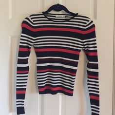 Zara striped sweater Slightly cropped and a great fit! Zara Sweaters Crew & Scoop Necks