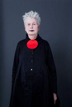 Renate Merten with brooch by Bettina Dittlmann. Anna Pirk gallery. Photo Miriam Künzli for Art Aurea.