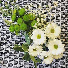 Mukavaa sunnuntai-iltaa! Tänään on puistoiltu uitu tarkastettu ja korjattu yksi artikkeli ja siivottu. Hyvä päivä  #kukkia #juhannuskimppu #flower #instaflowers #flowerbouquet #kukkakimppu #siivouspäivä