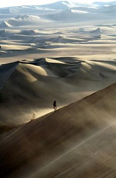 Kinda scary to get lost out here but still looks pretty cool. Sanddunes Ica - Peru