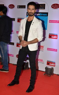 Shahid Kapoor at the HT Style Awards 2015. #Bollywood #Fashion #Style #Handsome