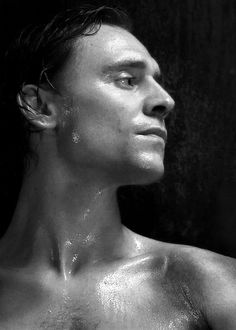 Tom Hiddleston. Is this amount of sexy even allowed?