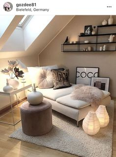 Kleines Zimmer Loft / Small Rooms Fitness GYM Loft / Small Rooms # Rooms Are you lookin Small Loft Spaces, Small Attic Room, Small Rooms, Attic Spaces, Attic Living Rooms, Living Room Decor, Bedroom Decor, Bedroom Ideas, Bedroom Loft