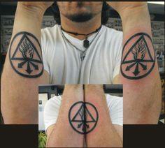 Constantine Tattoo, John Constantine, Tattoo Design Drawings, Tattoo Designs, Tattoo Ideas, Remember Tattoo, Arm Tats, Symbolic Tattoos, Temporary Tattoo