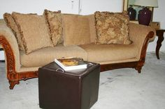 To Be Upcycling - Used Furniture and Home Furnishings: Chubby Sofa
