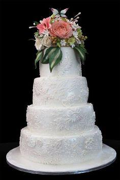 white lace wedding cake - by carmenchu @ CakesDecor.com - cake decorating website