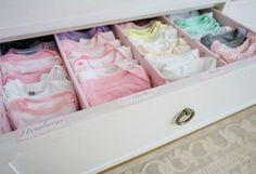 Como organizar roupa de bebê