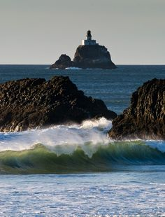 tillamook rock lighthouse | Tillamook Rock Lighthouse, the Oregon Coast.-Just in love ... | About ...