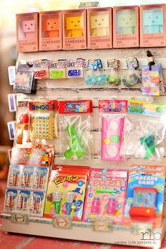 Miniature Toy Store Marbles, Dice, & Coordination Toys – Barbie Kids ~ Toys, Nurseries, Bedrooms – New Epoxy Barbie Kids, Barbie Dolls Diy, Hobbies For Men, Hobbies That Make Money, Miniature Crafts, Miniature Dolls, Diy Dollhouse, Dollhouse Furniture, Accessoires Barbie