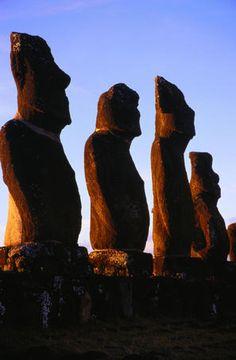 Moai, Ahu Tahai, Easter Island, Chile