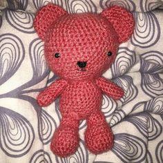 #Teddy #Teddybär #teddybaer #teddybear #stricken #rosa #himbeere #raspberrry #crochet #crochetaddict #crocheting #crochetersofinstagram #geschenk #gift #geburtstag #birthday #hamburg #langeweile #knopfaugen #kuscheltier #bär #Baer #bear #cute #nofilter by strickwelt