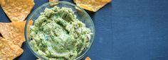 Brocamole is de slanke guacamole Avocado Recipes, Healthy Recipes, Pesto Dip, Salty Snacks, Tapenade, Bbq Party, Greens Recipe, Guacamole, Dips