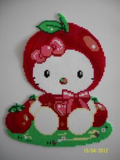 Hello Kitty pomme hama beads by Crea Louise