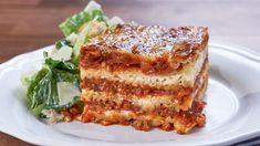 CTV - Mary's Kitchen Crush, Mary In A Minute: The Cheesiest Meat Lasagna I thought you would love to watch this video Beef Recipes, Cooking Recipes, Lasagna Recipes, Pasta Recipes, Italian Recipes, Salad Recipes, Pasta Sauce Ingredients, Mary's Kitchen, Meat Lasagna