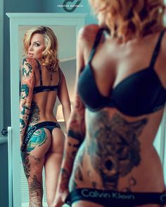 Sexy Women With Tats