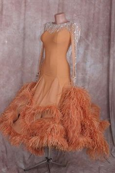 Ballroom dancing is just as well liked as ever one go Latin Ballroom Dresses, Ballroom Dancing, Latin Dresses, Ballroom Hair, Baile Latino, Princess Outfits, Dance Fashion, Dance Outfits, Ladies Dress Design