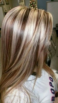 hair styles Trendy Hair Color Highlights Low Lights Colour Ideas Designer Flowers For Any Medium Hair Styles, Curly Hair Styles, Hair Medium, Brown Blonde Hair, Chunky Blonde Highlights, Blonde Foils, Foil Highlights, Dark Blonde, Blonde Color