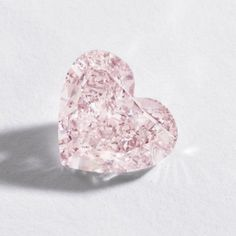 Fancy Orangy Pink Diamond - The heart-shaped diamond of fancy orangy pink color weighing carats Pink Love, Pretty In Pink, Saphir Rose, Tout Rose, I Love Heart, Heart Shaped Diamond, Purple Aesthetic, Everything Pink, Diamond Are A Girls Best Friend