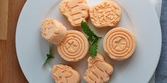 Coconut Orange Creamsicle Fat Bombs Ruled Me Low Carb Deserts, Low Carb Sweets, Healthy Sweets, Healthy Food, Healthy Recipes, No Carb Recipes, Ketogenic Recipes, Ketogenic Diet, Keto Bombs