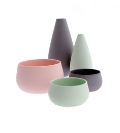 Vasen von Keis & Fiedler, erhältlich in sechs Grössen. Und dazu gibts auch noch die passenden Schalen