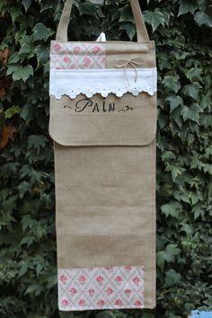 sac a pain en lin naturel, feston, tissu ancien, toile de jouy et cordelette en jute de la boutique atelierdeugenie sur Etsy