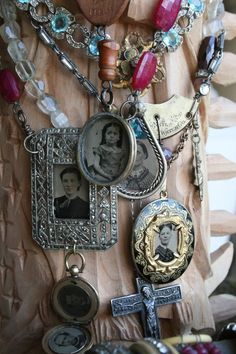I love Amy Hanna's work, she is amazing and one of my favorites when it comes to repurposed vintage jewelry!