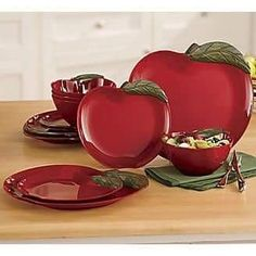 Colorful dinnerware sets from casual to formal. Favorite designs of rooster or apple dinnerware sets. Buy now, pay later with Ginny's Credit. Apple Kitchen Decor, Red Kitchen, Kitchen Themes, Kitchen Rug, Apple Art, Red Apple, Melamine Dinnerware Sets, Tableware, Apple Decorations