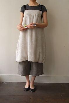 Simple strap linen work apron...needs pockets ...