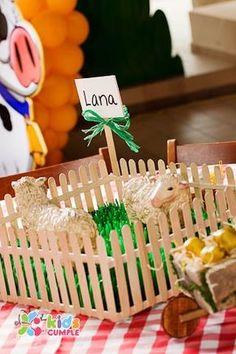 Fotos Cumpleaño La Granja para Manuel - ecumple Cowboy Theme Party, Farm Themed Party, Barnyard Party, Farm Party, Farm Birthday, 4th Birthday Parties, Diy For Kids, Crafts For Kids, Farm Animal Coloring Pages