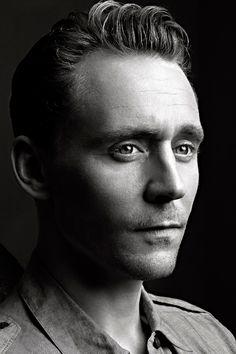 Tom Hiddleston - DEADLINE Presents AwardsLine Emmy Preview/Upfronts May16, 2016. Full size image: http://ww3.sinaimg.cn/large/6e14d388gw1f3yxpueg6xj24qu30c4qu.jpg Source: https://twitter.com/Deadline/status/732628123078942720 Via Torrilla