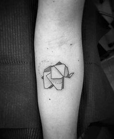 tatouage origami éléphant à remplissage partiel