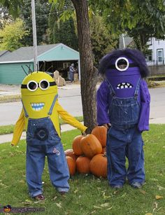 Halloween Costumes For Siblings That Are Cute, Creepy And Supremely Clever Sibling Costume, Clever Halloween Costumes, Trunk Or Treat, Siblings, Minions, Creepy, Cosplay, Cute, Crafts