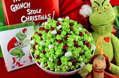 Grinch Popcorn -- A fun Christmas Treat. Sweet, salty, crunchy, delicious and so very easy to make. It would be a great How the Grinch Stole Christmas family movie night dessert or Christmas Party Dessert! Christmas Potluck, Best Christmas Recipes, Christmas Party Food, Christmas Appetizers, Christmas Desserts, Christmas Treats, Holiday Treats, Holiday Recipes, Christmas Baking