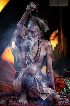 Amar Bharti Baba has his right arm up for 36 yrs, Haridwar Kumbh Mela